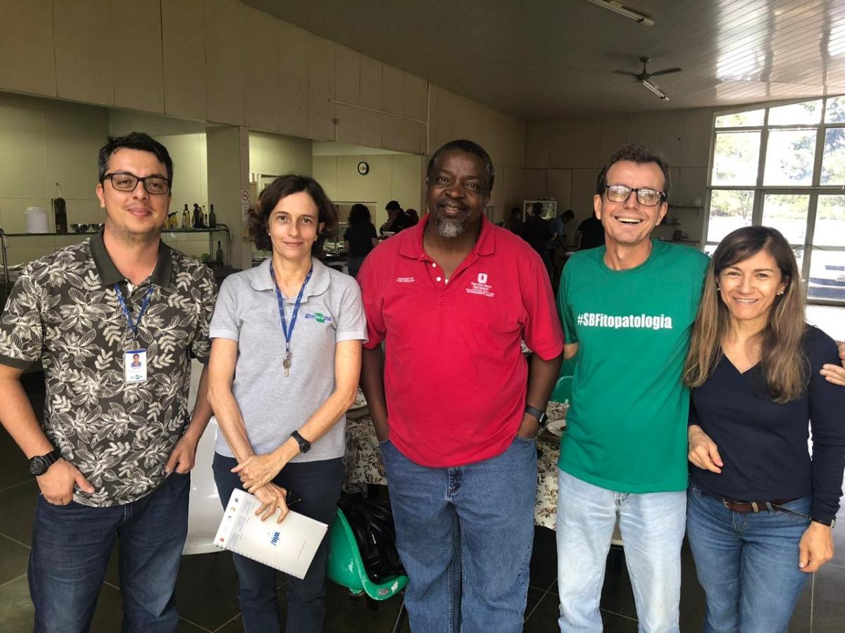 Prof. Pierce Paul taught an epidemiology short course at the University of Brasilia during his recent sabbatical.